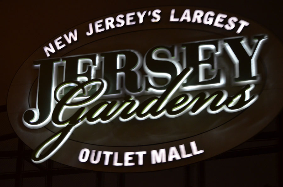 Jersey Gardens, Outlet Mall