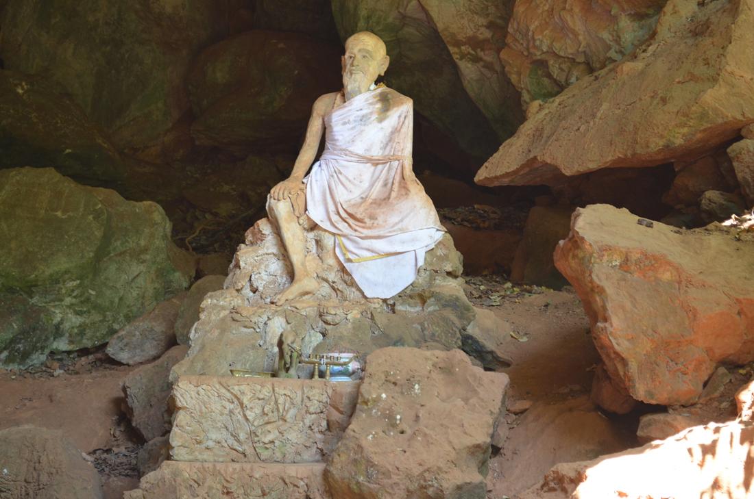 Monkey Cave Temple, Phuket