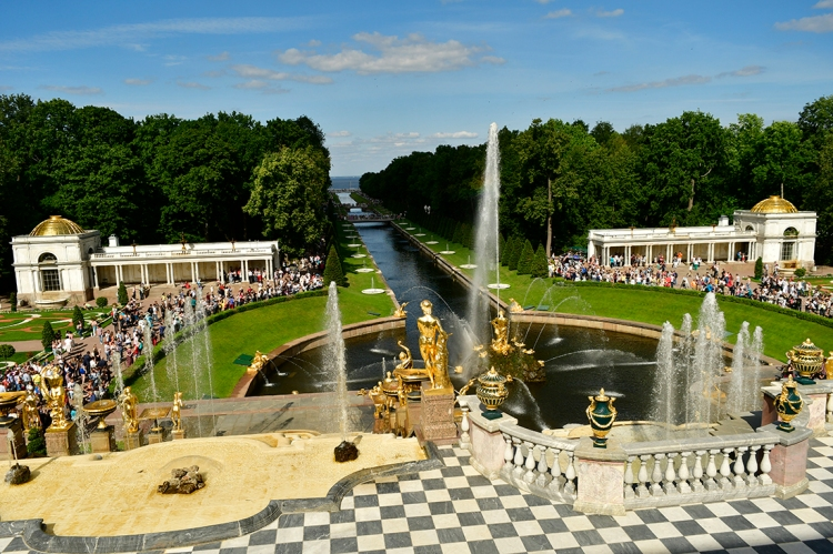 Peterhof Fountains - The most famous ensemble of fountains, the Grand Cascade, which runs from the northern facade of the Grand Palace to the Marine Canal, comprises 64 different fountains, and over 200 bronze statues, bas-reliefs, and other decorations.