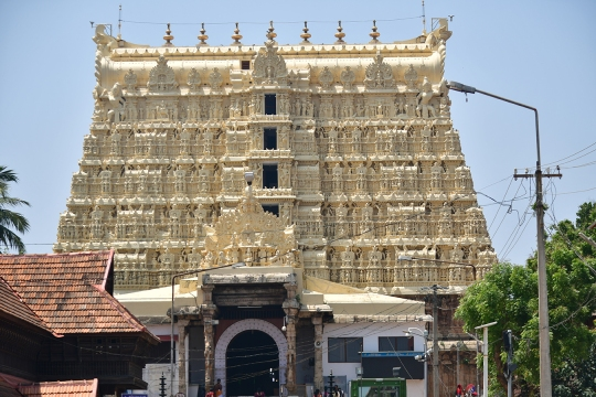Padmanabhaswamy Temple The temple is built in an intricate fusion of the indigenous Kerala style and the Tamil style (kovil) of architecture associated with the temples located in the neighbouring state of Tamil Nadu, featuring high walls, and a 16th-century Gopuram.