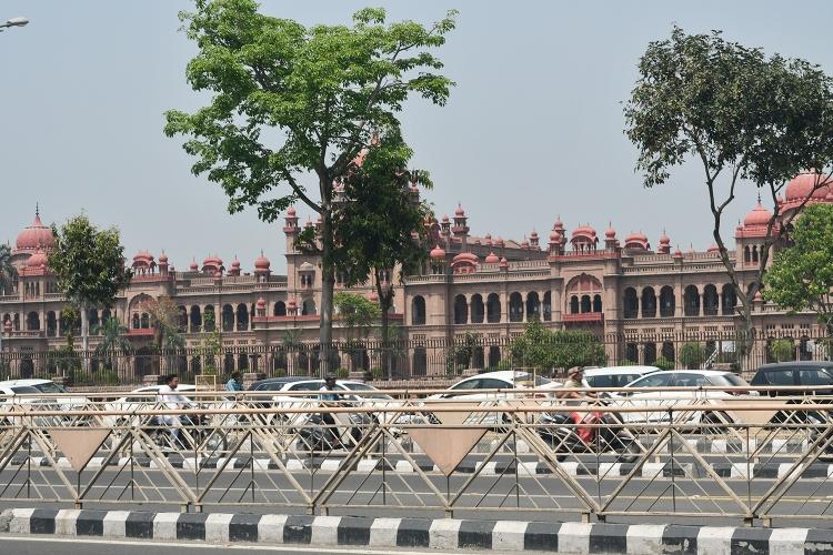 Khalsa College,