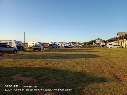 Broken Hill Racecourse Caravan Camping