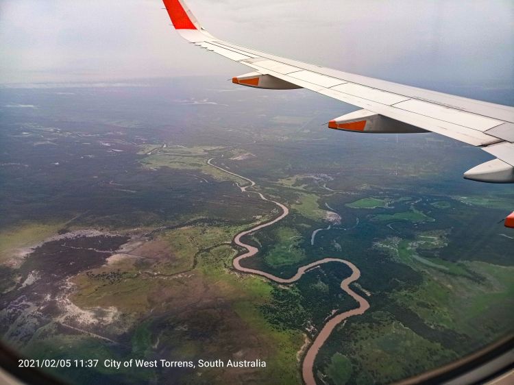 Flight Adelaide to Darwin 3.5 hours